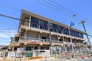 市立津久野小学校 約1,040m(徒歩13分)