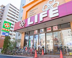 ライフ神田泉町店 約270m(徒歩4分)
