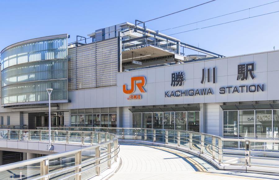 JR中央本線「勝川」駅 約430m(徒歩6分)