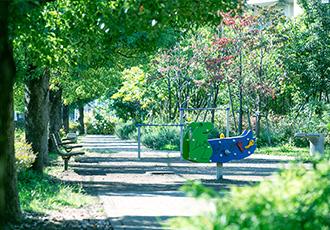 鷺沼くすのき公園(南側) 約170m