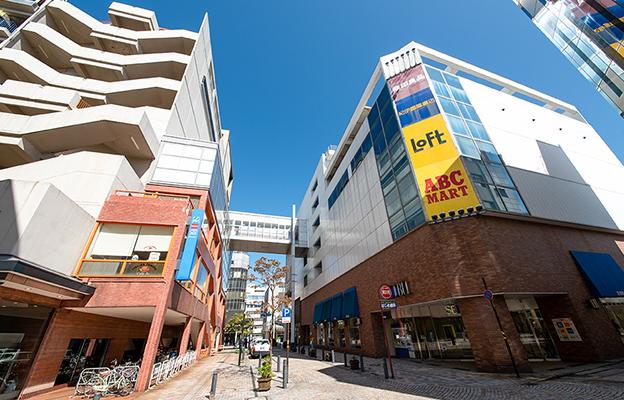 西武福井店 約1,000m(徒歩13分)