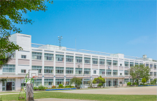 市立深見小学校 約360m(徒歩5分)