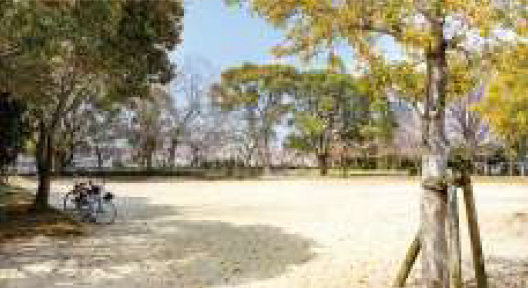 諏訪野町公園 約250m(徒歩4分)