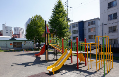 北円山わらしっこ公園 約50m(徒歩1分)