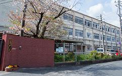 京都市立梅津中学校 約1,620m(徒歩21分)