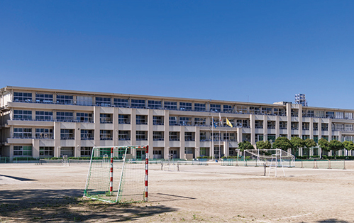 市立北中学校 約1,030m(徒歩13分)