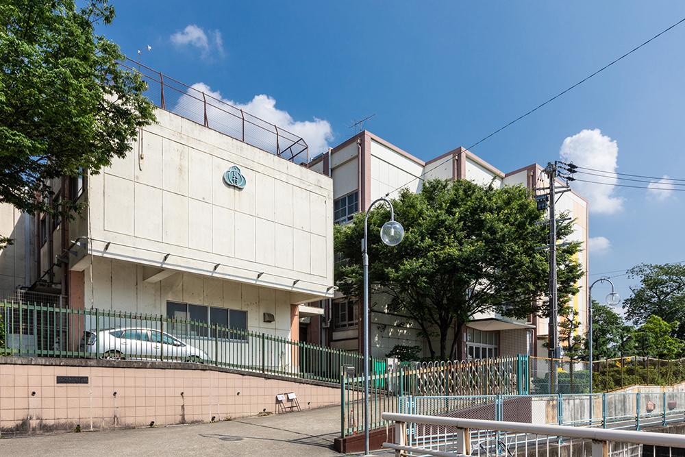 市立見付小学校 約200m(徒歩3分)