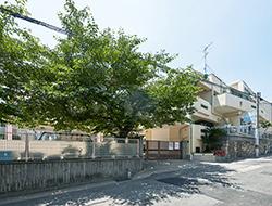 高羽幼稚園 約450m(徒歩6分)