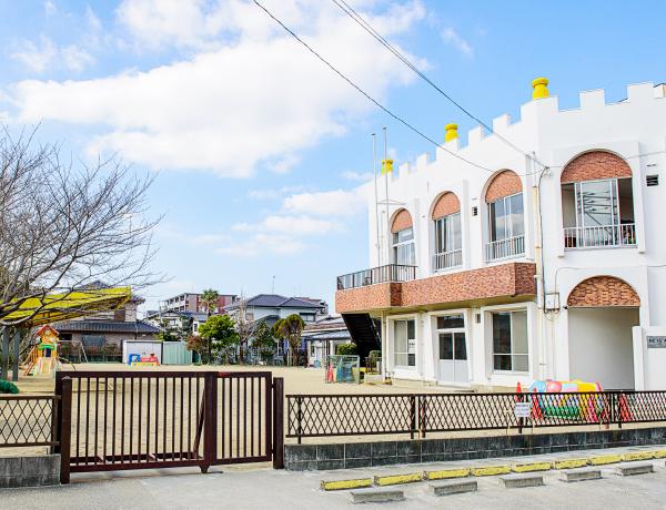 瑠璃幼稚園 約860m(徒歩11分)