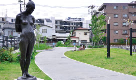 扇彫刻のある公園 約630m(徒歩8分)