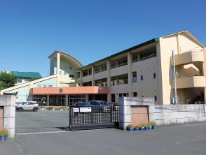 桜木東小学校 約930m(徒歩12分)