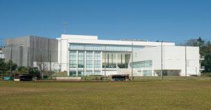 習志野市立中央図書館 約880m(徒歩11分)