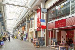 ほとめき通り商店街 約100m(徒歩2分)