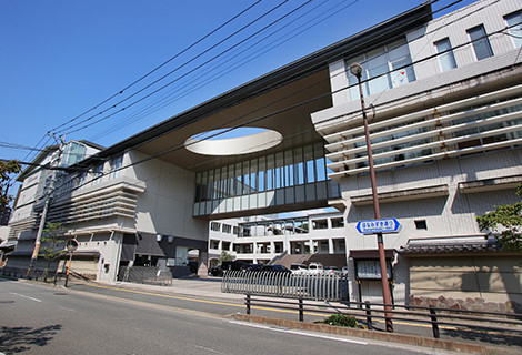 筑紫女学園中学・高等学校 約70m(徒歩1分)