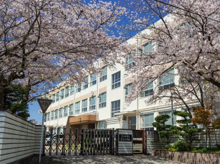 市立 黒石小学校[通学指定校] 約550m(徒歩7分)