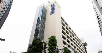 台東区役所 約980m(徒歩13分)