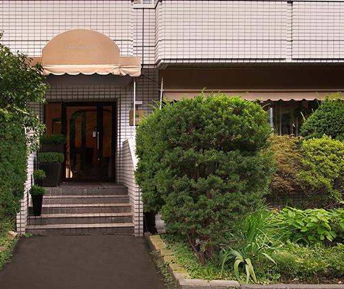レストラン・モリエール 約450m(徒歩6分)