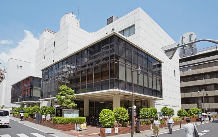 三田図書館 約980m(徒歩13分)