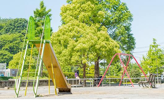 奥田公園 約180m(徒歩3分)