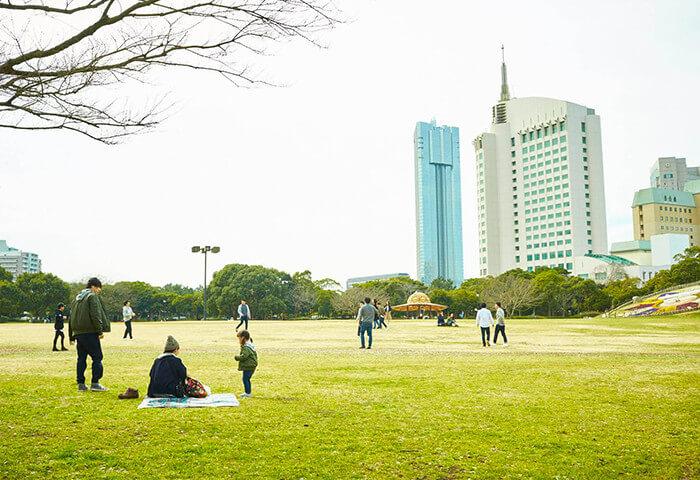幕張海浜公園 約920m