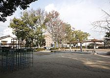 本川公園 約110m(徒歩2分)