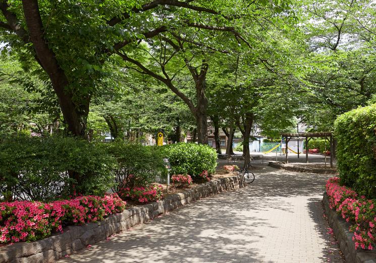 千住仲町公園 約550m(徒歩7分)