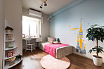 洋室 子供部屋にも、ホビールームとしても。部屋内に柱が出ない工法で、家具を隅までぴったり収められる。