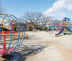 新福寺公園 約520m(徒歩7分)