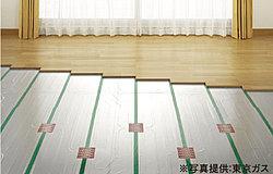 全戸リビングに床暖房を標準装備