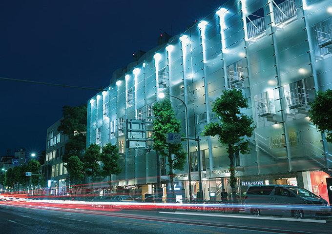 日本赤十字社医療センター 約830m(徒歩11分)