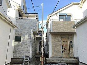全邸2台カースペース。南道路の通風・採光に恵まれた住棟配置