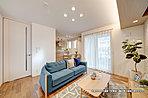 [4号地 内観]平成29年8月撮影※写真内の家具・調度品は価格に含まれません。