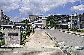 篠ノ井西小学校(約1,040m:徒歩13分)