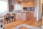 [1号棟 内観]平成30年1月撮影 ※写真内の家具・調度品は価格に含まれません。