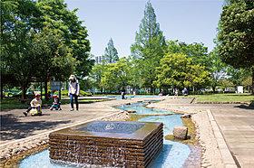 町制施行記念公園430m(徒歩6分)