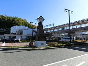 南海高野線「三日市町」駅までは徒歩11分、難波まで急行30分