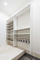 【モデルハウス】SCL 各邸それぞれに大容量の玄関収納付き