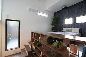 造作棚が充実し、本や雑貨がたっぷりと収納できます。