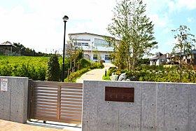 平成25年4月に開園した保育園。徒歩4分の距離にあります。