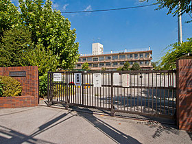 ◆国分小学校・・・徒歩9分(700m)