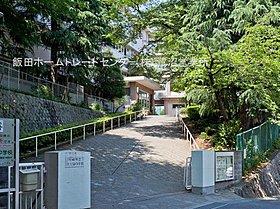 川崎市立西生田中学校まで徒歩6分