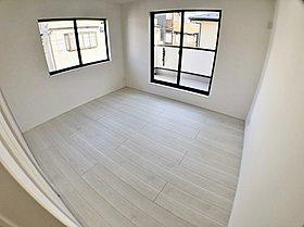 洋室 白を貴重とした居室はどんなインテリアもはまります♪