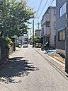 【前面道路】 接道5m以上あるので駐車が苦手な方も安心♪