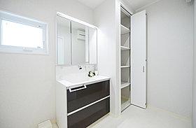 I号地モデルハウス 洗面室
