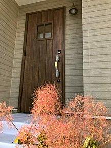 ウッド調玄関ドア