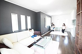 【A邸広い玄関ロビー】大型収納、大型鏡付玄関収納付