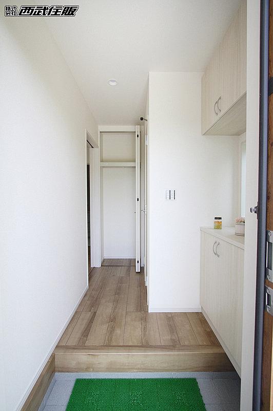 【【玄関】】シューズボックス付きなので玄関まわりがスッキリします。