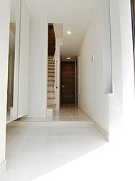 白を基調とした明るい室内のデザインを予定しております。