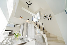 【JR馬橋駅】制震デザイナーズハウス(1棟)~書斎に最適なグルニエのあるスタイリッシュモダンの家~