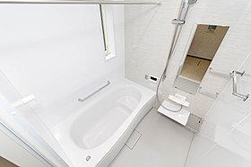 1616サイズの浴室。浴室乾燥機・保温浴槽付き
